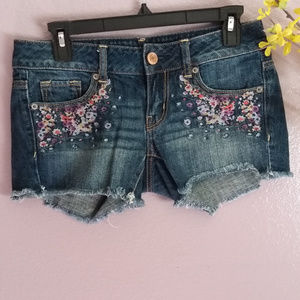 American Eagle | Womens Low Rise Mini Jean Shorts